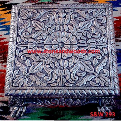 Traditional Chowki Table S&W 293
