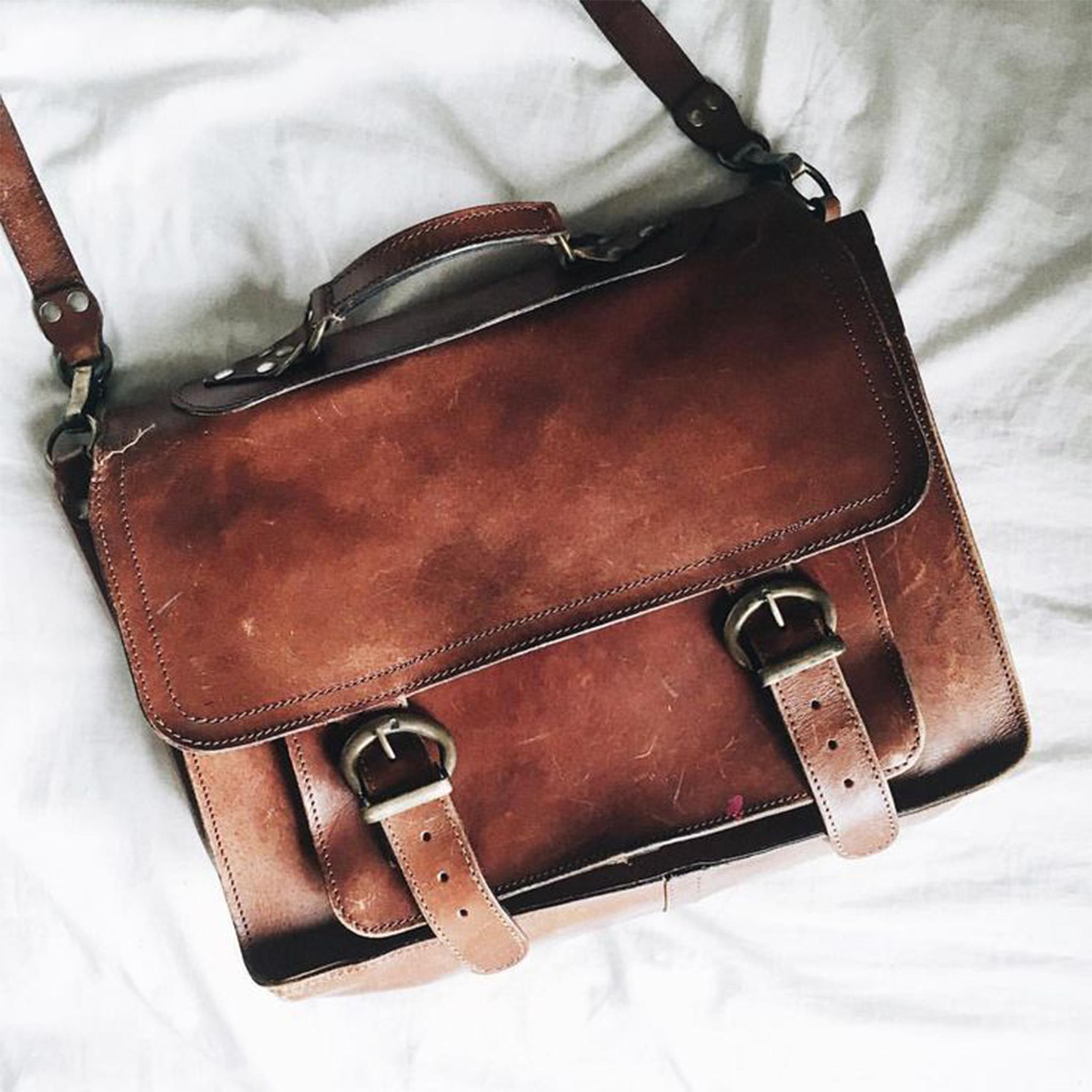 58878fc3dbdba88bc332b87873ccaf06-side-bags-spencer-reid-outfit-1